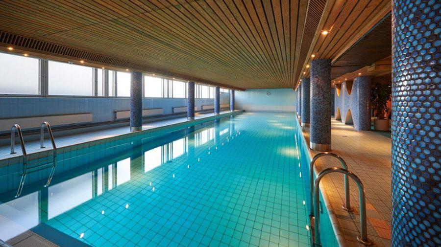 Arctic pool is 18 m long!