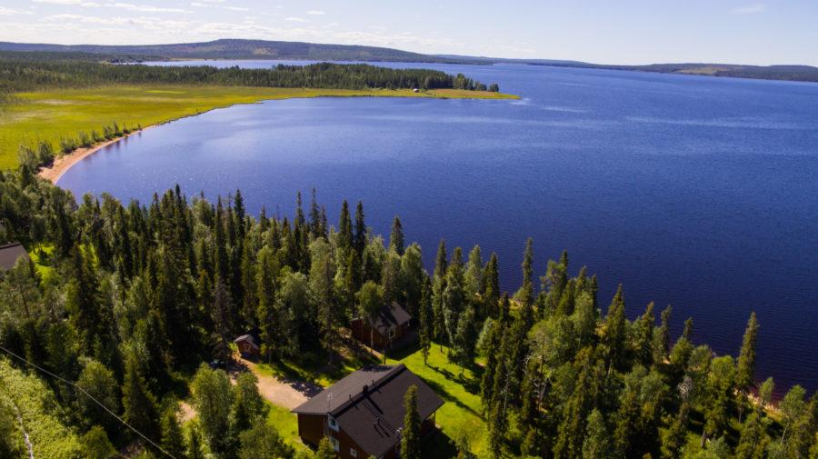Arctic Circle Lake Holidays