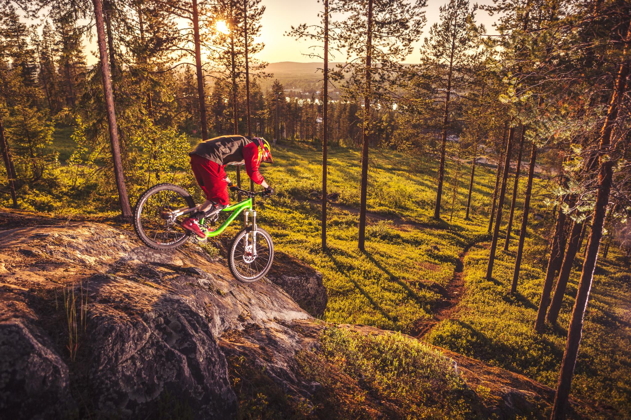 Mountain Biking in Midnight Sun in Rovaniemi Lapland Finland (1)