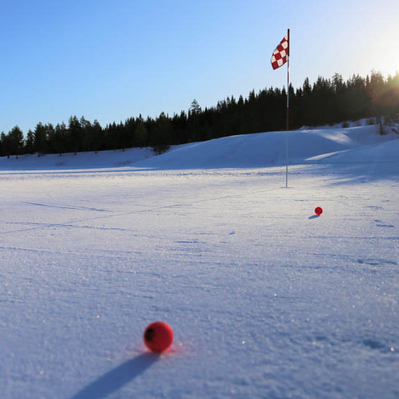 Santa Claus Golf Winter golf in Rovaniemi, Lapland, Finland. Photo Pia Lillberg