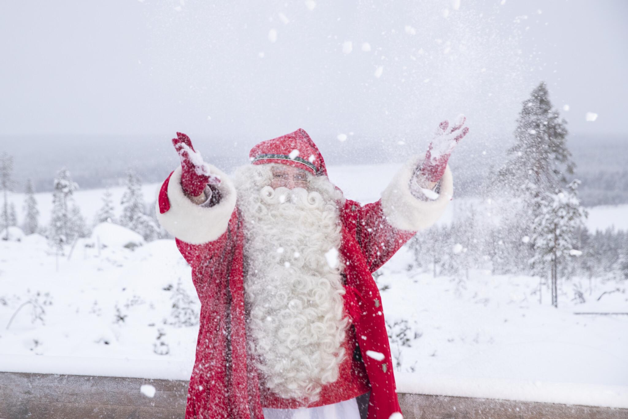 Santa Claus Winter 2018 in Rovaniemi Lapland Finland (17) (1)