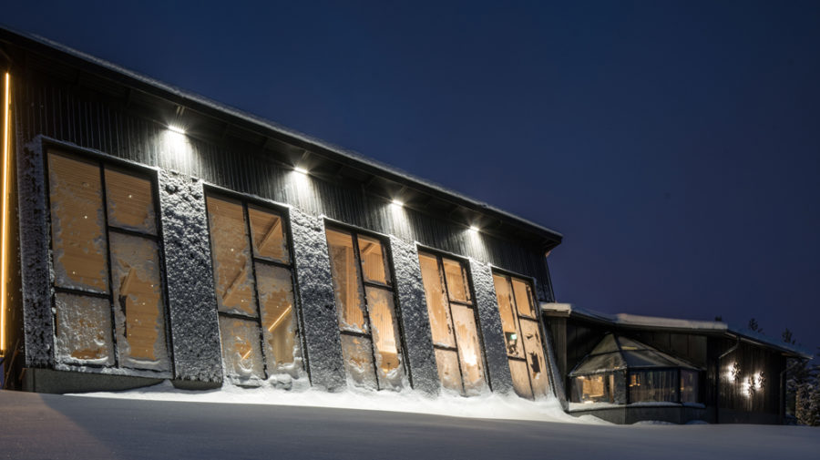 Restaurant Arctic Eye large windows face North