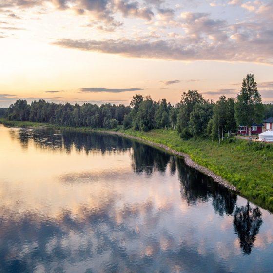 Jurttamajoitus Yurt District Rovaniemi Ounasjoen rannalla Rovaniemellä Lapissa