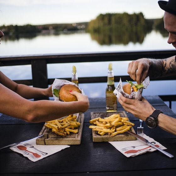 hamburgers Kesarafla sauna in Rovaniemi, Lapland, Finland