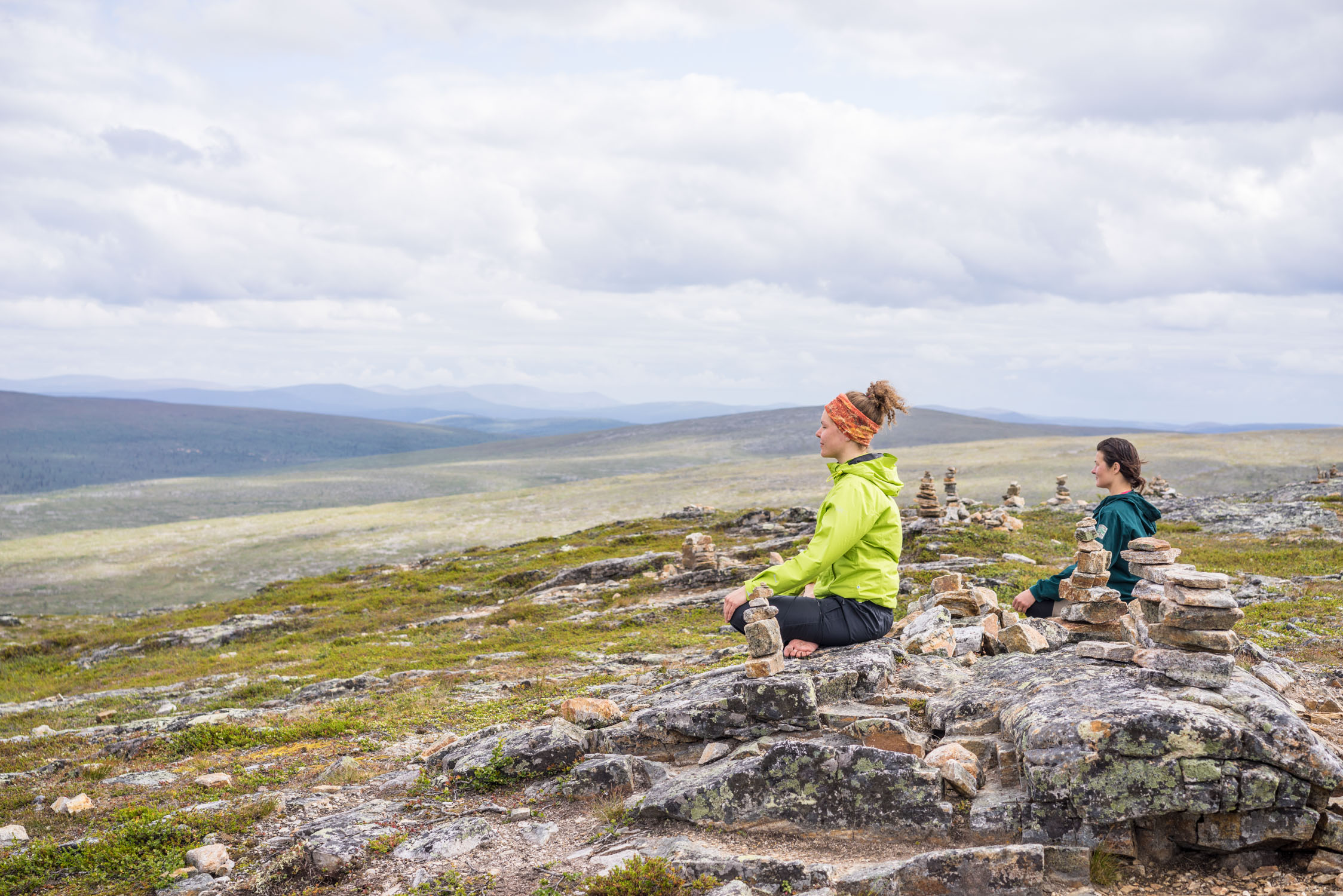 Husky & Yoga Nature Jooga vaellus tunturiin Visit Rovaniemi