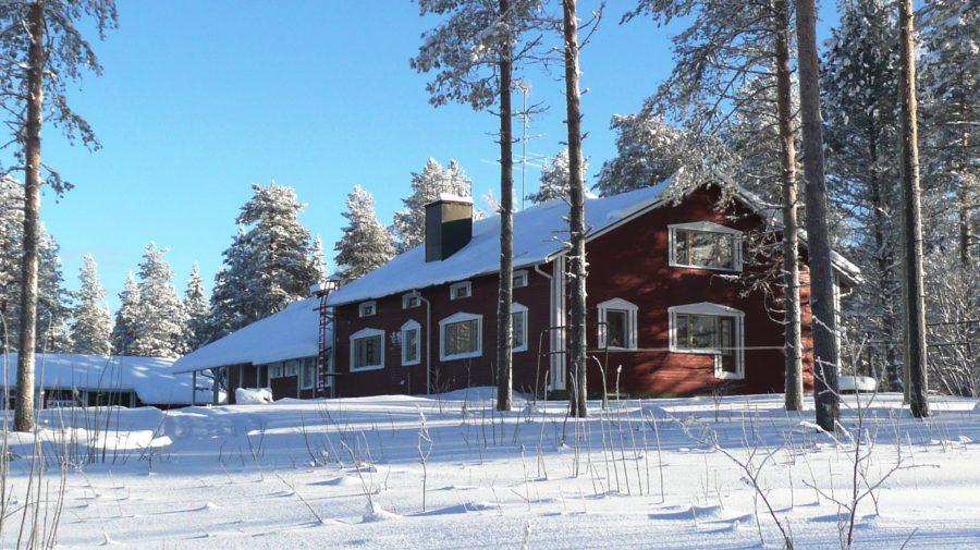 Katkavaara Aurora Apartments and Snow Igloos