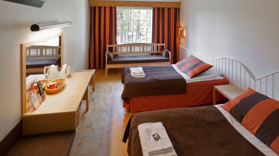Bear's Lodge hotel room