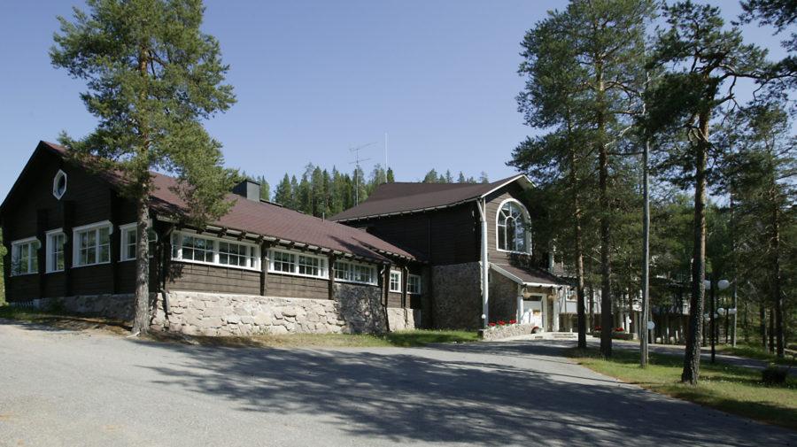 Bear's Lodge main building