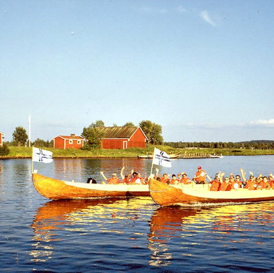 Riverboat cruise to Kotisaari Island with Lapland Safaris in Rovaniemi