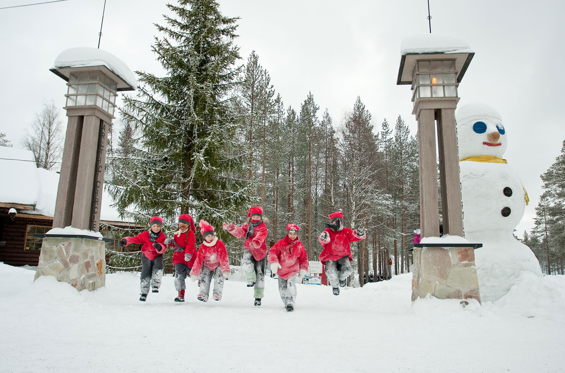 Visit Rovaniemi Love Arctic Circle Web Opt