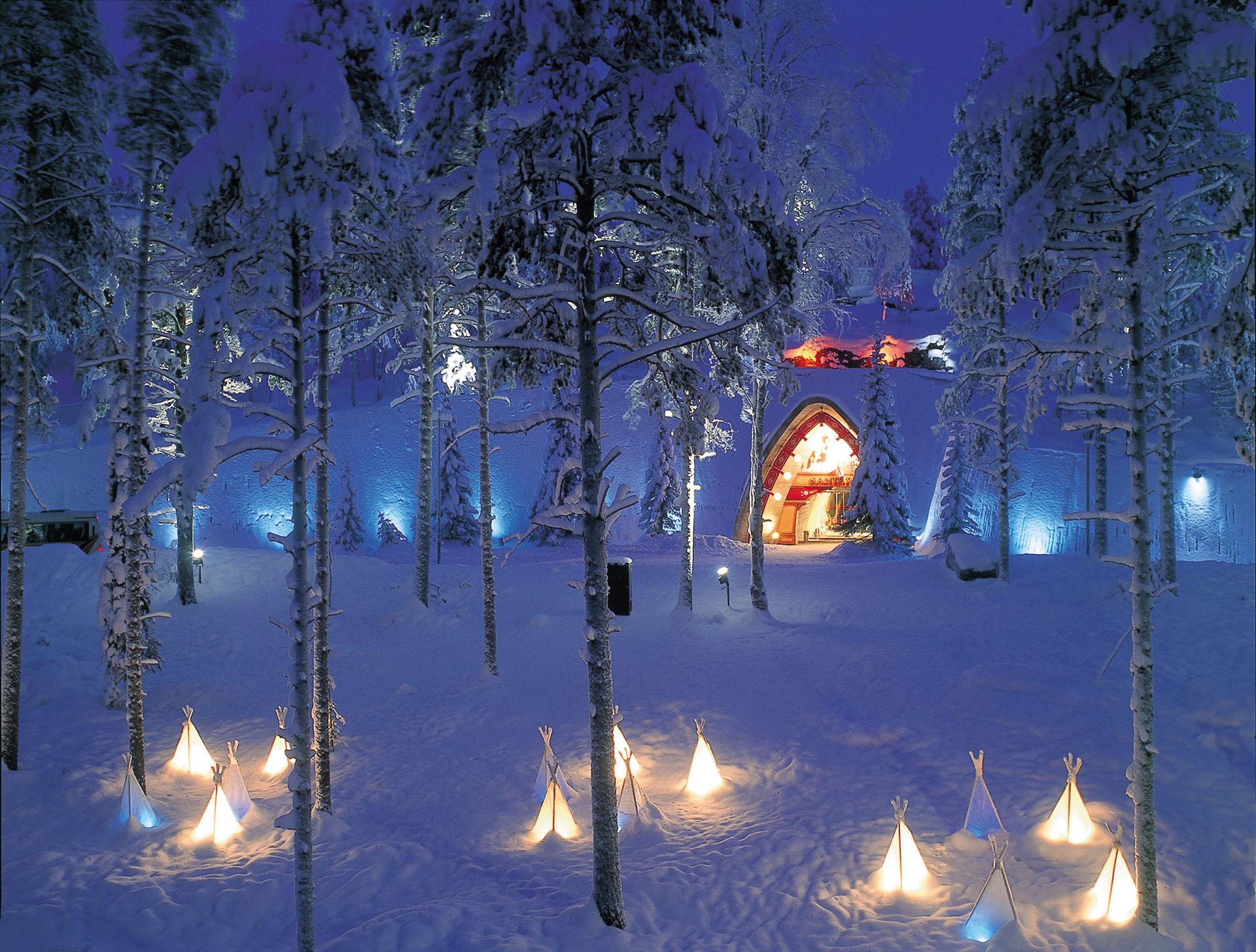 Enter the Arctic region  Cross the Arctic Circle in Rovaniemi
